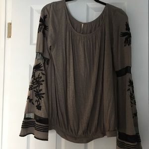 NWT Free People tan flare sleeve embroidered top